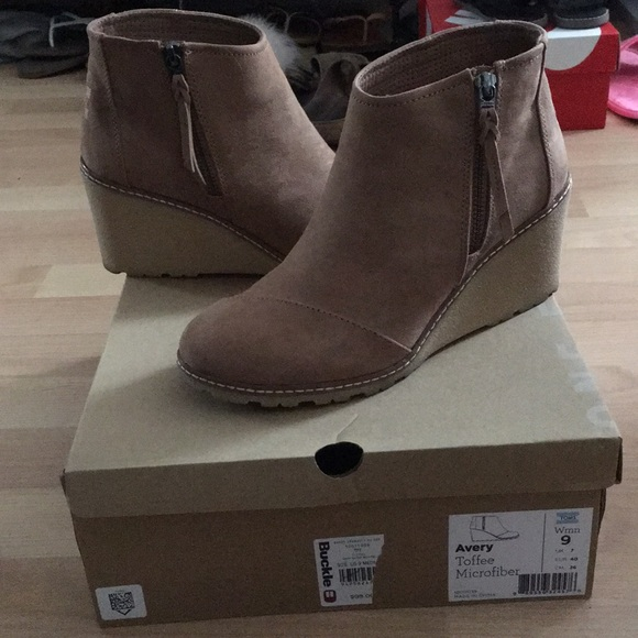 Toms Shoes   Toms Avery Wedge Boot